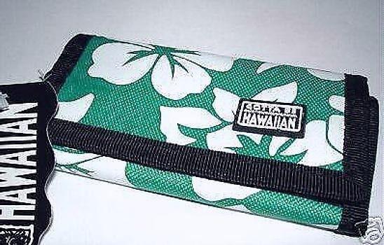 NWT Gotta Be Hawaiian Teal Hibiscus Key Holder Case