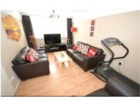 Lovely 5 Bedroom Terraced House in Redbridge with Garden and Seperate Lounge