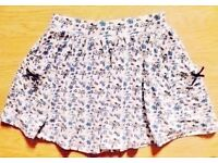 Child Girl's White & Blue Floral Pattern Gathered Summer Skirt.Age 2-3 Years