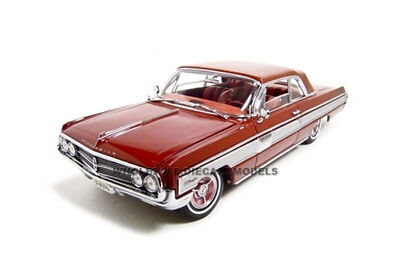 1962 OLDSMOBILE STARFIRE GARNET/ RED 1/18 DIECAST MODEL BY ROAD SIGNATURE 20208