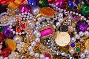 WILL BUY YOUR OLD JEWELRY