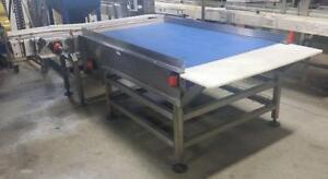STORCAN Table d'accumulation d'entré en acier inoxydable COMME NEUVE 44'' X 84'' *AEVOS*
