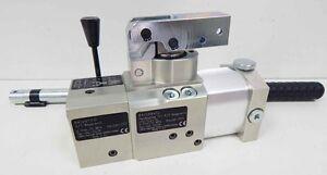 Lukas-Hydraulik Handpumpe LH2/0,2-70 841298412, 841297310 -unused-
