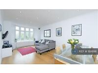 2 bedroom flat in Fulham High Street, London, SW6 (2 bed)