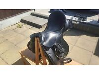 """17.5"""" Black leather VSD Farrington Saddle complete with stirrups and leathers"""