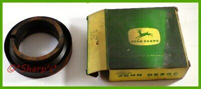 Aa5408r D2124r John Deere A G Flywheel Spacer Slinger With Flywheel Seal Nos