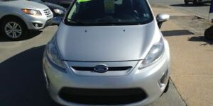 2011 Ford Fiesta SES Sedan