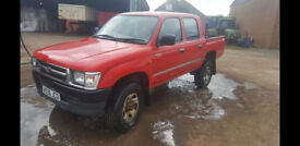 Toyota HILUX 2.4 runs and drives great will mot for buyer, new timing belt twin cab pick up