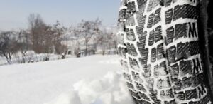 4 PNEUS D'HIVER // 4 WINTER TIRES