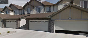 Luxurious townhouse in Coopers Common Airdrie