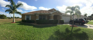 SPACIOUS CAPE CORAL FORT MYERS POOL HOME RENT SPECIAL