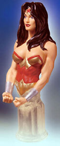 WONDER-WOMAN-Women-of-the-DC-Universe-mini-bust-Adam-Hughes-statue-DC-Direct-NIB