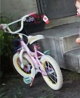 """Stolen bike """"Belle"""" pink and white, ripped seat"""