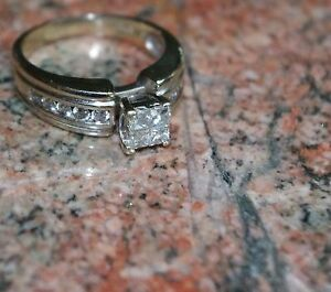 PERFECT XMAS GIFT! ~ 14Kt White Gold Quad Center Ring