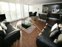 *Beautifully designed 3 bedroom apartment located in the highly sought after Docklands area*