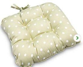 4 Polka Dot Seat Cushions