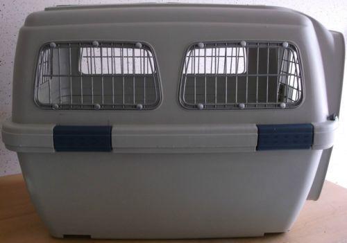 hundetransportbox gebraucht transportboxen taschen ebay. Black Bedroom Furniture Sets. Home Design Ideas