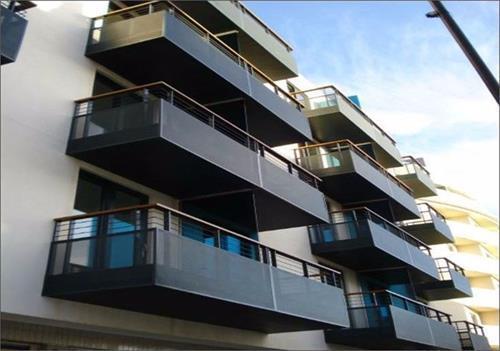 Studio flat in Kilburn High Road, LONDON, NW6