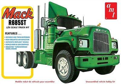 AMT Mack R685ST Semi Tractor 1/25 scale plastic truck model kit new 1039