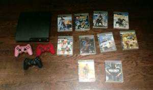 Ps3 slim, 3 controllers, 9 games