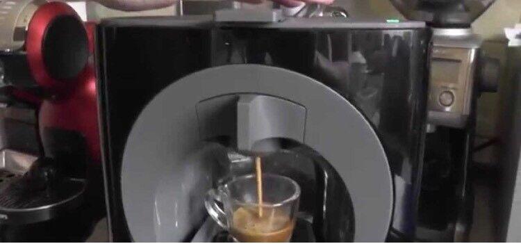 Dolce Gusto coffee machine black