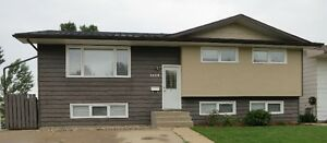Family Friendy Bi-Level for rent in Westmount (Moose Jaw)