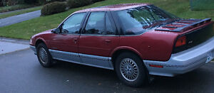 1990 Oldsmobile Cutlass Supreme International Sedan