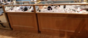 6 BEAUTIFUL OAK JEWELRY LED DISPLAY CABINETS - Price Reduced Stratford Kitchener Area image 6