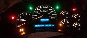 GM 2005 truck cluster with 283105Kms Instrument Panel
