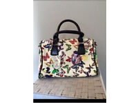 Butterfly print hand bag with shoulder strap