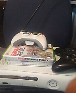 Xbox360 with a few games and two control