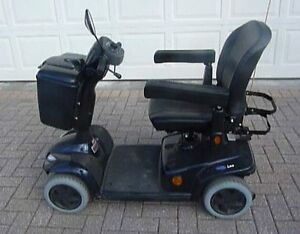 INVACARE LEO 4-WHEEL ELECTRIC SCOOTER