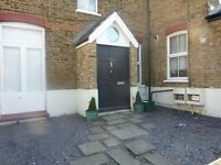 HOT HOT HOT HOT THREE BEDROOM PROEPRTY LEWISHAM !!! ENQUIRE NOW BEFORE YOU MISS OUT !!