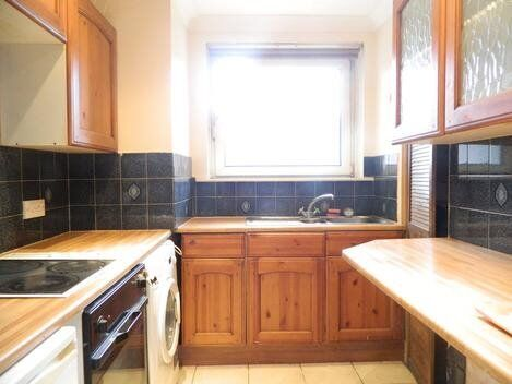 spacious 1 bedroom apartment in great location, close to transport