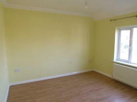 Newly refurbished fantastiv 5 bed House in Acton!!