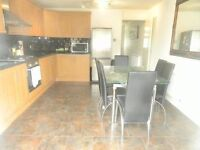 beautiful 3 bedroom next to vauxhall station!!!