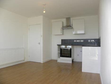 NEWLY REFURBISHED 2 BED** MOMENTS FROM FINSBURY PARK