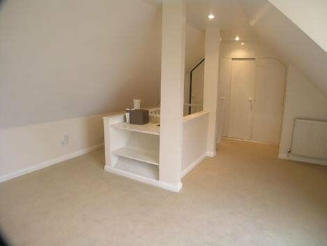 Stunning one bedroom property in Acton!