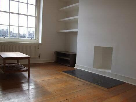 bright and airy 1 bedroom property minutes from oval station