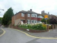 6 BEDROOM HOUSE CAN BE USED AS A 7 BED ONLY 2800PCM CLOSE TO WOOD STREET STATION