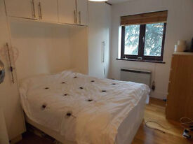 AMAZING SPACIOUS 1 BEDROOM APARTMENT - 5 MINS TO TUBE. ACTON W3