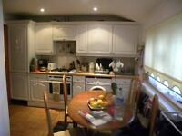 Lovely Bungalow in Acton with Garden!!