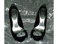 Black diamonte shoe (size 3)