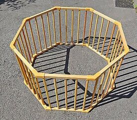 WOODEN HEAVEY DUTY PLAY PEN