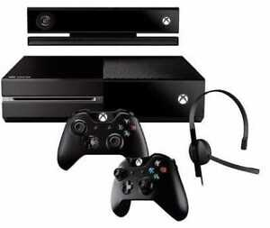 Xbox One 500GB + Kinect + 2 Controllers + Mic + Games