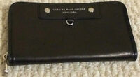 BRAND NEW WALLET BY '' MARC JACOBS '' ON SALE