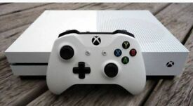 Xbox one S console with Forza Horizon 3