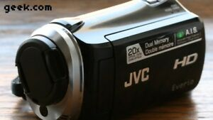 JVC Everio GZ-HM 300 Full Hd Digital Camcorder