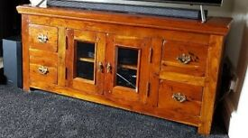 👉 REDUCED Solid wood tv cabinet