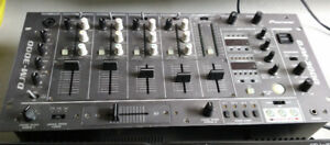PIONEER MIXER AND CDI